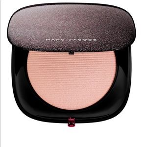 Marc Jacobs highlighter Showstopper O!Mega Glaze